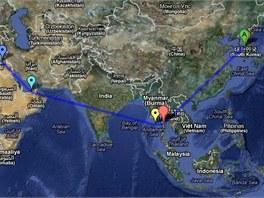 Trasa letu Korean Air 858. Modrá šipka - Bagdád, tyrkysová šipka - Abú Dhabí,