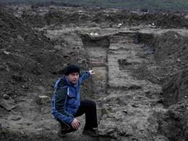 Archeolog Zdeněk Schenk ukazuje další část Českobratrské školy, tentokrát