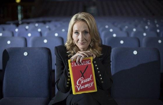 J. K. Rowlingová se svým románem pro dospělé The Casual Vacancy