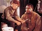 Huckleberry Finn a uprchlý otrok Fin. Později začalo Americe vadit, že o něm