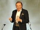 Karel Gotto koncertoval 8. prosince 2012 v pražské O2 Areně