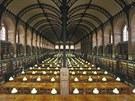 V čítárně pouze plynové lampy nahradilo elektrické osvětlení.