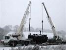 Do železničního skanzenu v Lupěném na Šumpersku převáželi parní lokomotivu řady...