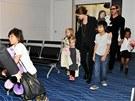 Angelina Jolie, Brad Pitt a jejich �est d�t�: Pax, Shiloh, Vivienne, Knox, Maddox a Zahara (2011)