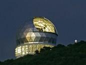 Teleskop Hobby-Eberly v Texasu, jehož data byla použita při určování hmotnost