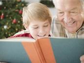 Kniha přináší radost všem generacím (ilustrační snímek)