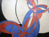 Amorfa - dvoubarevná fuga je dominantou výstavy.