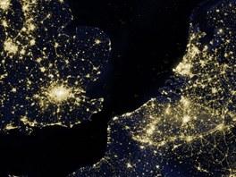 Pohled na část noční Západní Evropy