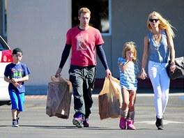 Chris Martin, Gwyneth Paltrowov� a jejich d�ti Moses a Apple