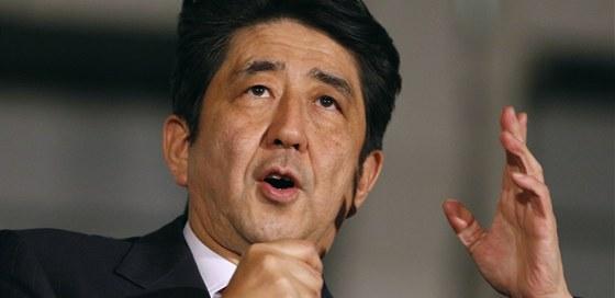 Šéf Liberálnědemokratické strany a bývalý i nynější premiér Japonska Šinzó Abe