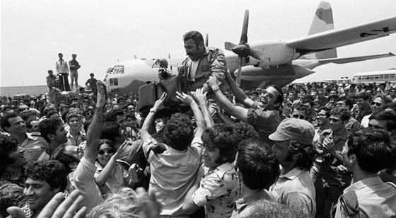 Hrdina. Pilot jednoho ze záchranných izraelských letadel po úspěšné ugandské