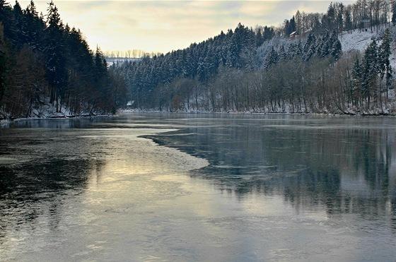 Křižanovická přehrada byla postavena vletech 1948 až 1953 na toku řeky