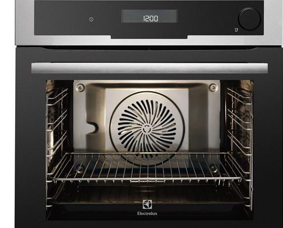 Co profesionální kuchař zvládne uvařit vkonvektomatu, to zvládne i vparní