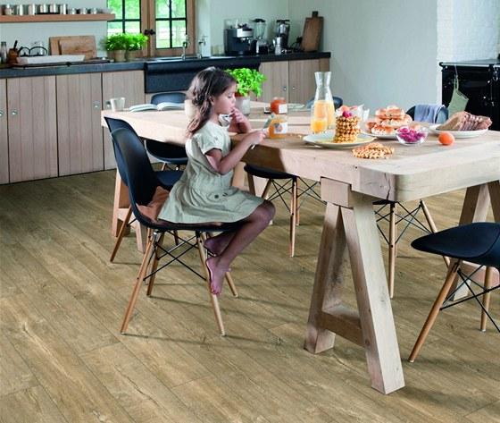 Podlahy Livyn se vyrábějí v široké škále 15 dekorů, z nichž si každý může