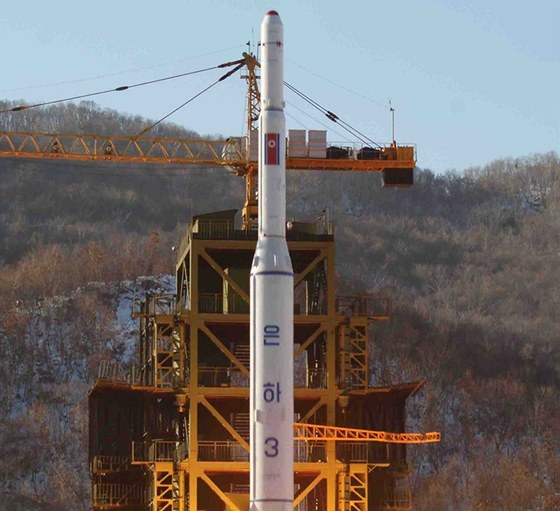 Start severokorejské rakety Unha-3, která 12. prosince 2012 vyletěla na oběžnou