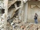 Rozbombardované domy v Homsu (6. prosince 2012)