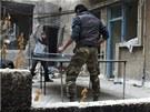 Bojovníci Syrské osvobozenecké armády si v Homsu krátí dlouhou chvíli mezi boji