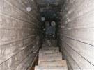 Při prohlídce bylo nalezeno přibližně 1,2 milionu litrů lihu uskladněného v