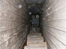 P�i prohl�dce bylo nalezeno p�ibli�n� 1,2 milionu litr� lihu uskladn�n�ho v