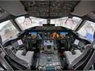 Kokpit Boeingu 787 Dreamliner.