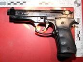 Dealer u sebe nosil plynovou pistoli.