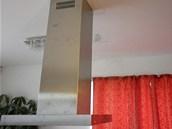 Montáž stropní digestoře dopadla na výbornou (firma Ladislav Kuna).