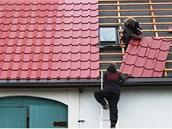 Výměnu střešní krytiny na chalupě firmou Střechy Štangl a Janů odhodnotil...