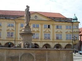 Zámek na Valdštejnově náměstí v Jičíně.