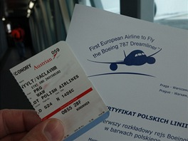 Každý cestující dostal certifikát účasti na prvním komerčním letu Dreamlineru...