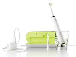 Elektrický zubní kartáček Philips Sonicare DiamondClean (HX9332) využívá