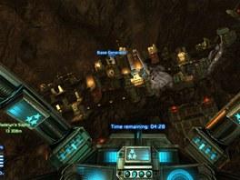 Základna pirátů ukrytá uvnitř asteroidu se právě musí bránit náletu sovětských