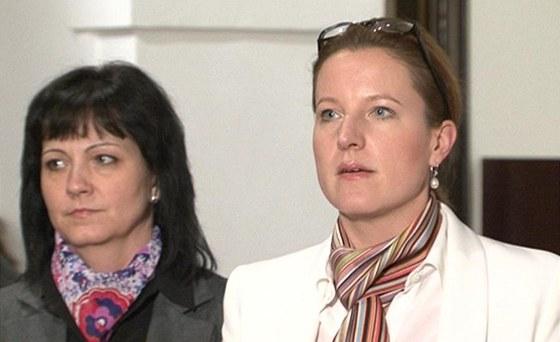 Karolína Peake reaguje na odvolání z postu ministryně obrany.
