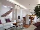 Společný obývací prostor je otevřen do schodišťového prostoru, v budoucnu se