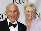 Americký herec Jack Klugman s manželkou Peggy Crosby na předávání cen Tony v