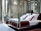 Ložnice majitele v pařížském bytě