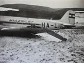 Letadlo HA-LIF po nouzovém přistání.