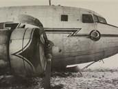 Letadlo HA-LII po nouzovém přistání. Zohýbané listy vrtule svědčí o tom, že se
