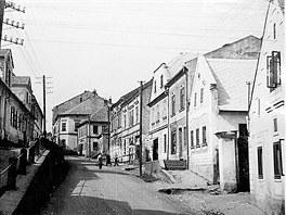 Horní Benešov za časů Kerryho dědečka. Žil v domě vpravo zcela dole.
