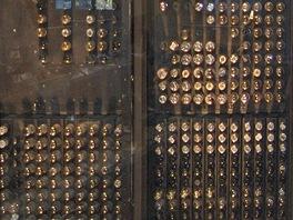 Záplava elektronek byla hlavním konstrukčním rysem počítače ENIAC.