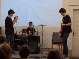 Letos v únoru vystoupila parta hudebníků Sunplugged na podporu léčebny