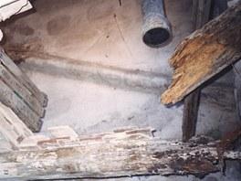 Zborcený strop v mezipatře