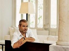 V libanonském sídle žije módní návrhář Elie Saab se svou ženou a třemi syny.