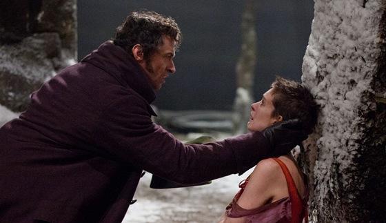 Z filmu B�dn�ci (Hugh Jackman a Anne Hathawayov�)