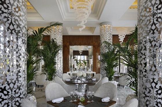 Pro každou místnost One & Only The Palm se navrhovala speciální svítidla.