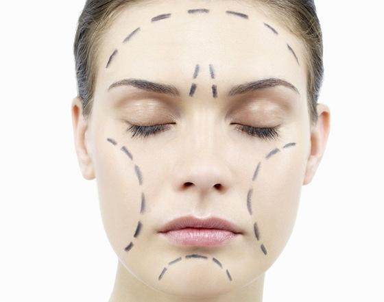 Ještě do nedávno šla výrazně ochablá kůže obličeje řešit chirurgicky s pomocí...