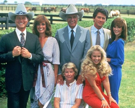 Složení původního Dallasu: zleva Larry Hagman, Linda Grayová, Jim Davis,