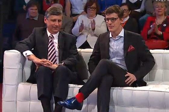 Na rudé ponožky Jana Fischera ml. mířil i pohled jeho otce.