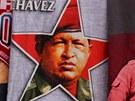 Trika s portrétem Huga Cháveze se v Caracasu prodávají na každém rohu (1. ledna