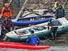 Důkladná příprava na sjezd kterékoliv řeky je hodně důležitá. (5. ledna 2012)