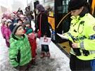Kvůli požáru Svitu evakuovali strážníci děti z Mateřské školy Kolektivní dům.